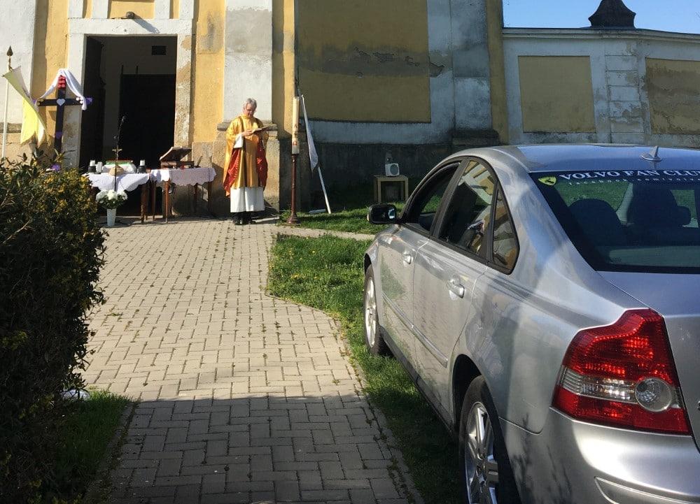 A Lélek indíttatása: autós mise Előszálláson | Katolikus.ma